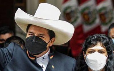 Presidente Castillo y la primera Dama Lilia Paredes Navarro