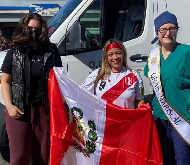 Dra. Camacho, junto con Elena Camacho y Karla Corcuera.